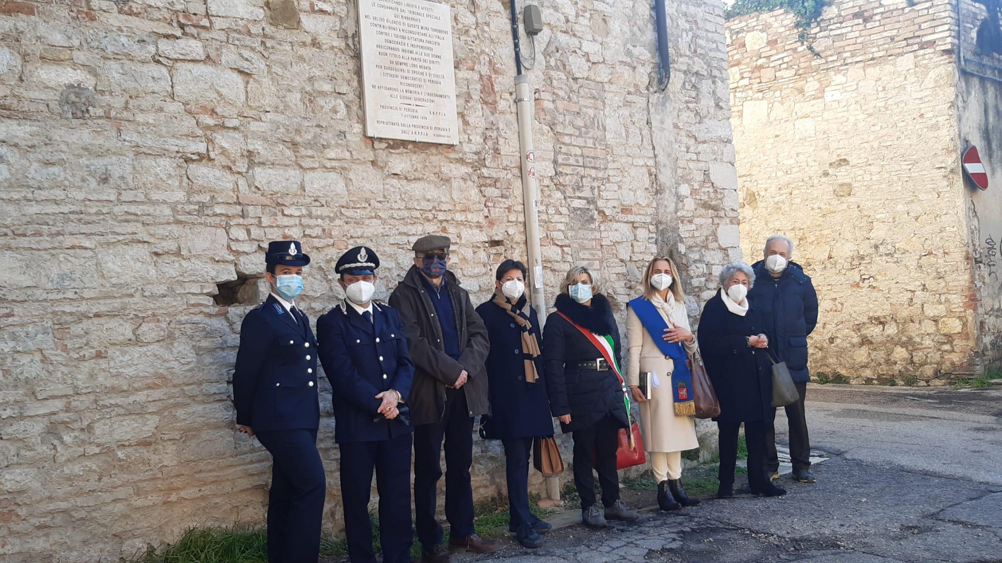 La Provincia ripristina la targa commemorativa a 23 donne partigiane, posta sulle mura dell'ex carcere femminile di Perugia