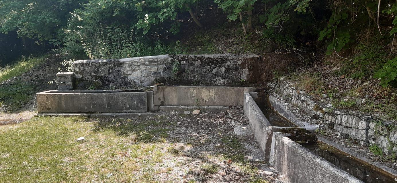 Monteleone di Spoleto - La fonte di Puzzolano perduta sotto la frana a Monte Motola-prati le Pampane