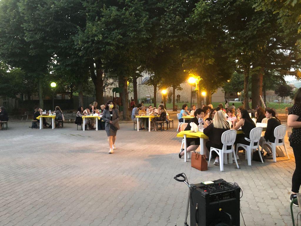 Assisi –  All'IC Assisi 3 la cena di istituto si tinge di giallo